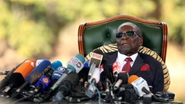Zimbabwe's Robert Mugabe no longer able to walk