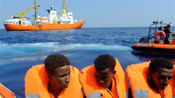 Spain, Portugal to take in most Aquarius refugees